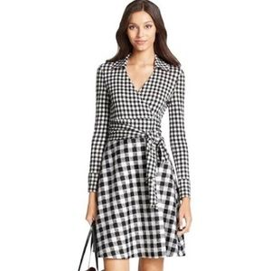DVF  Black/White Gingham Style Wrap Dress. Size 2
